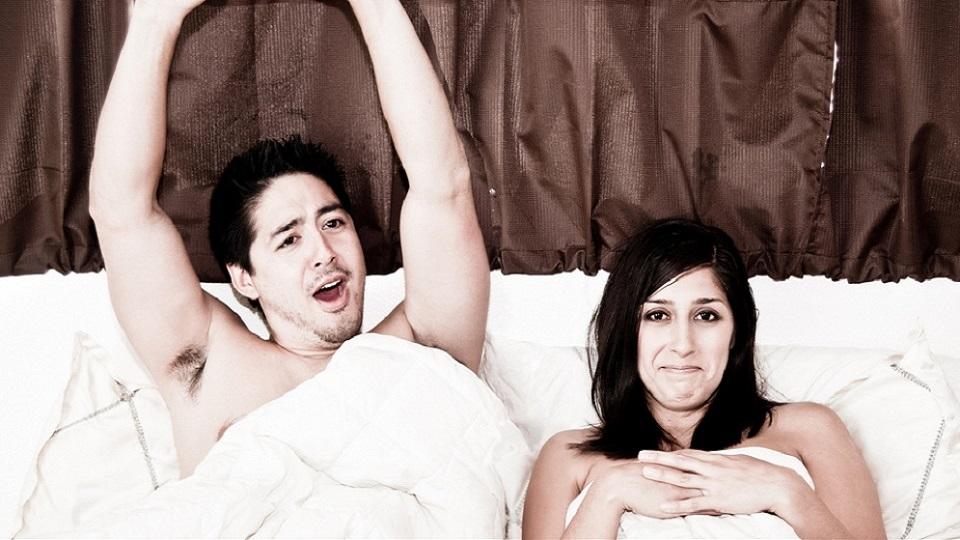 couple-in-bedI