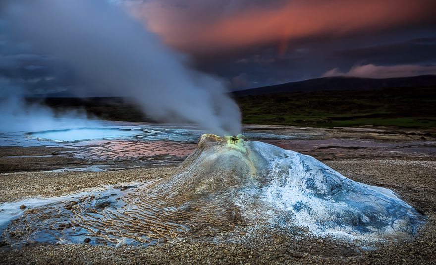 Highland-Geysers-in-Iceland-by-Alban-Henderyckx3__880