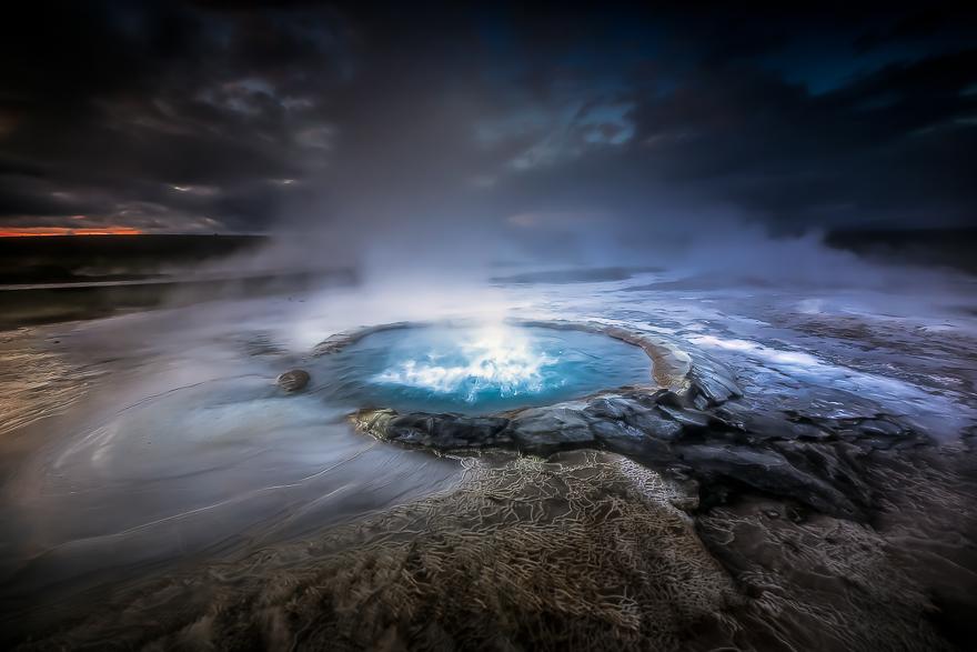 Highland-Geysers-in-Iceland-by-Alban-Henderyckx4__880