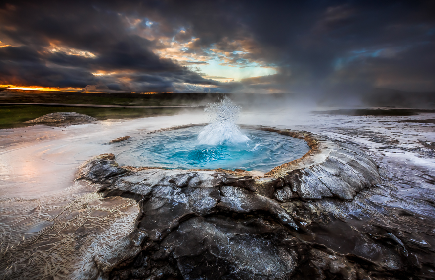 Highland-Geysers-in-Iceland-by-Alban-Henderyckx__880