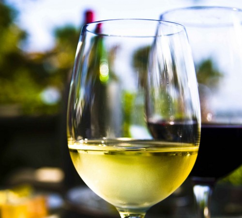 Which-is-healthier-red-wine-or-white-wine
