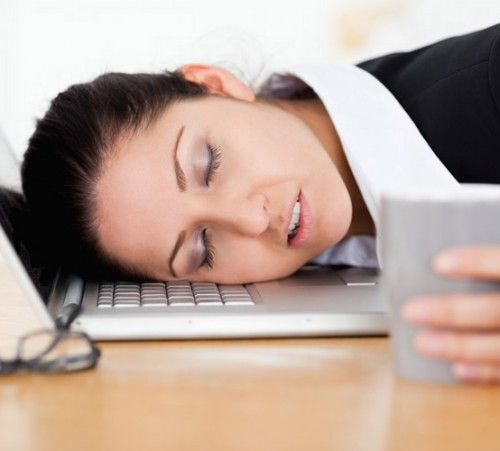 nejcastejsi-priciny-unavy-dehydratace-mobil-leky-nedostatek-zeleza-a-pretezovani