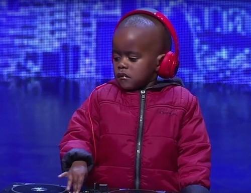 dj-arch-junior-sa-got-talent-dj-fresh-3-year-old-dj-3-715x385