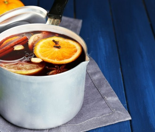 citrus-touched-diy-simmering-potpourri-to-make-your-home-smell-like-summertime-760x428