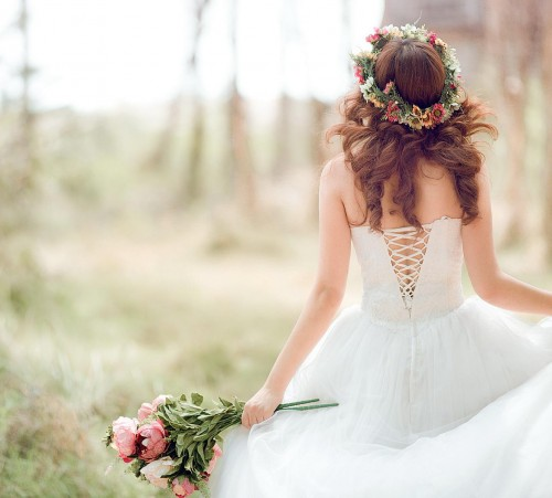 Bride-Woman-Outdoor-Wallpaper-High-Res-Pics-7777