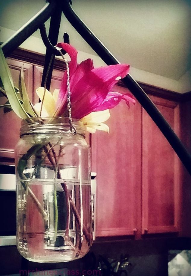 7-of-the-best-container-ideas-for-your-empty-glass-jars-4