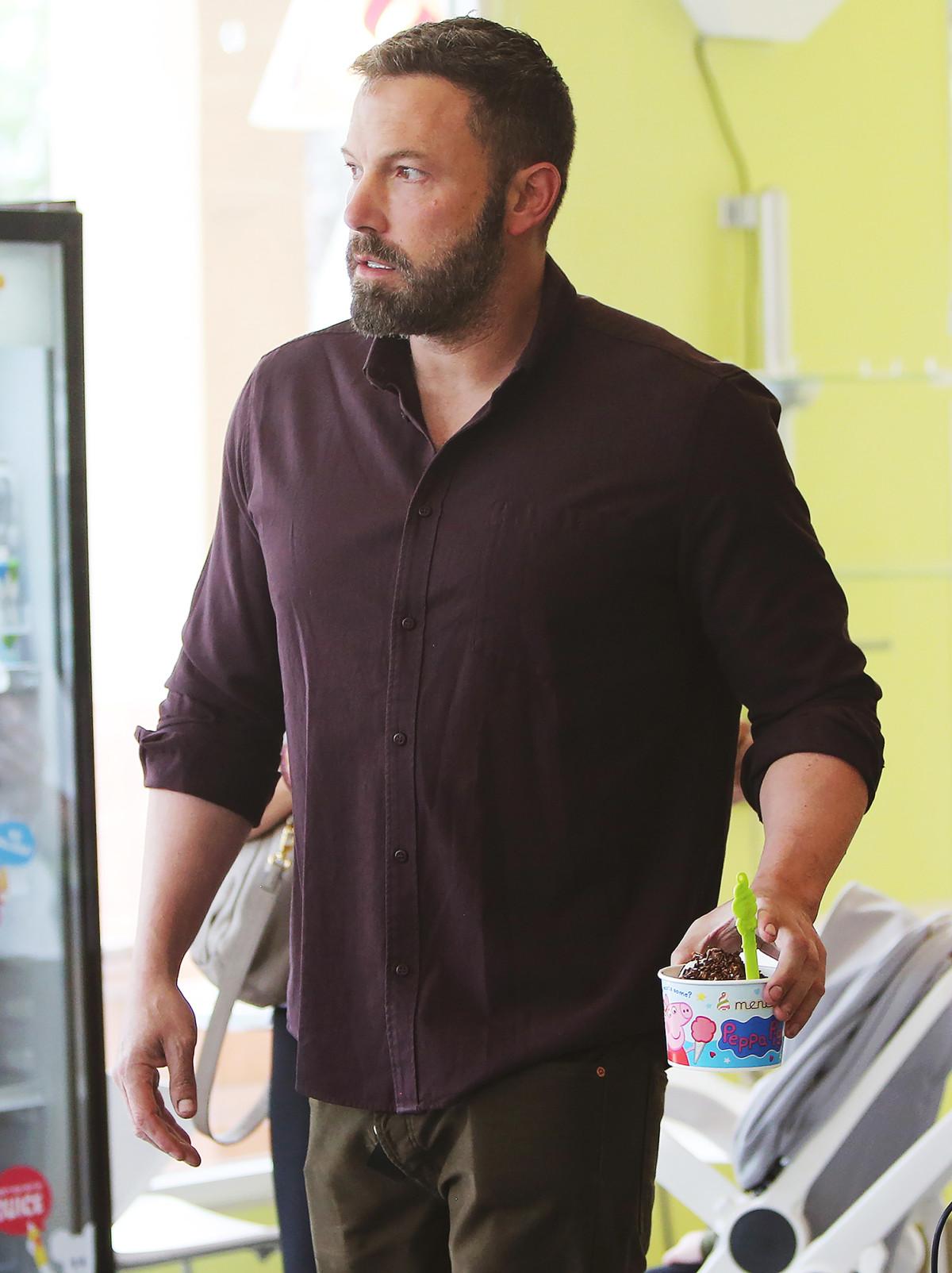 Ben Affleck fær sér ís í Santa Monica þann 6. júní