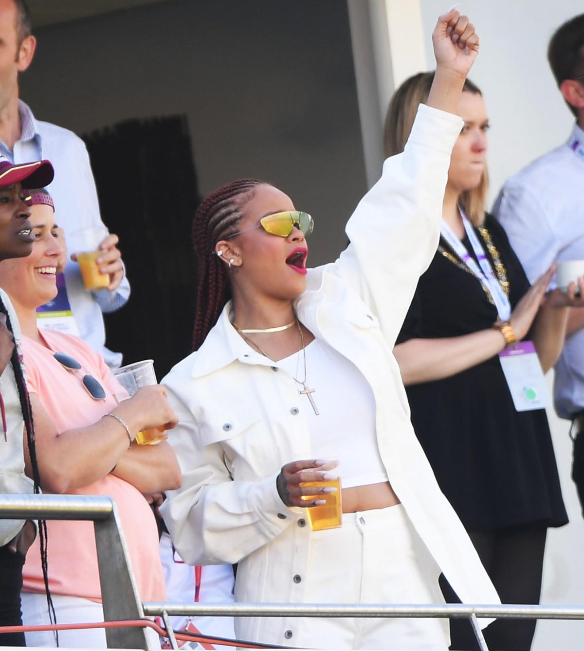 Rihanna í Englandi, þann 1 júlí