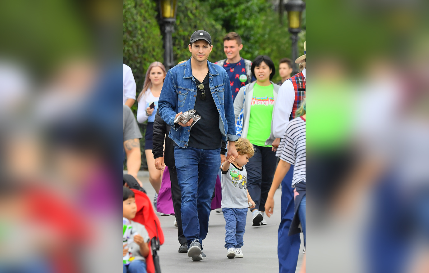 EXCLUSIVE: Ashton Kutcher and Mila Kunis celebrate their daughter's birthday at the happiest place on earth, Disneyland