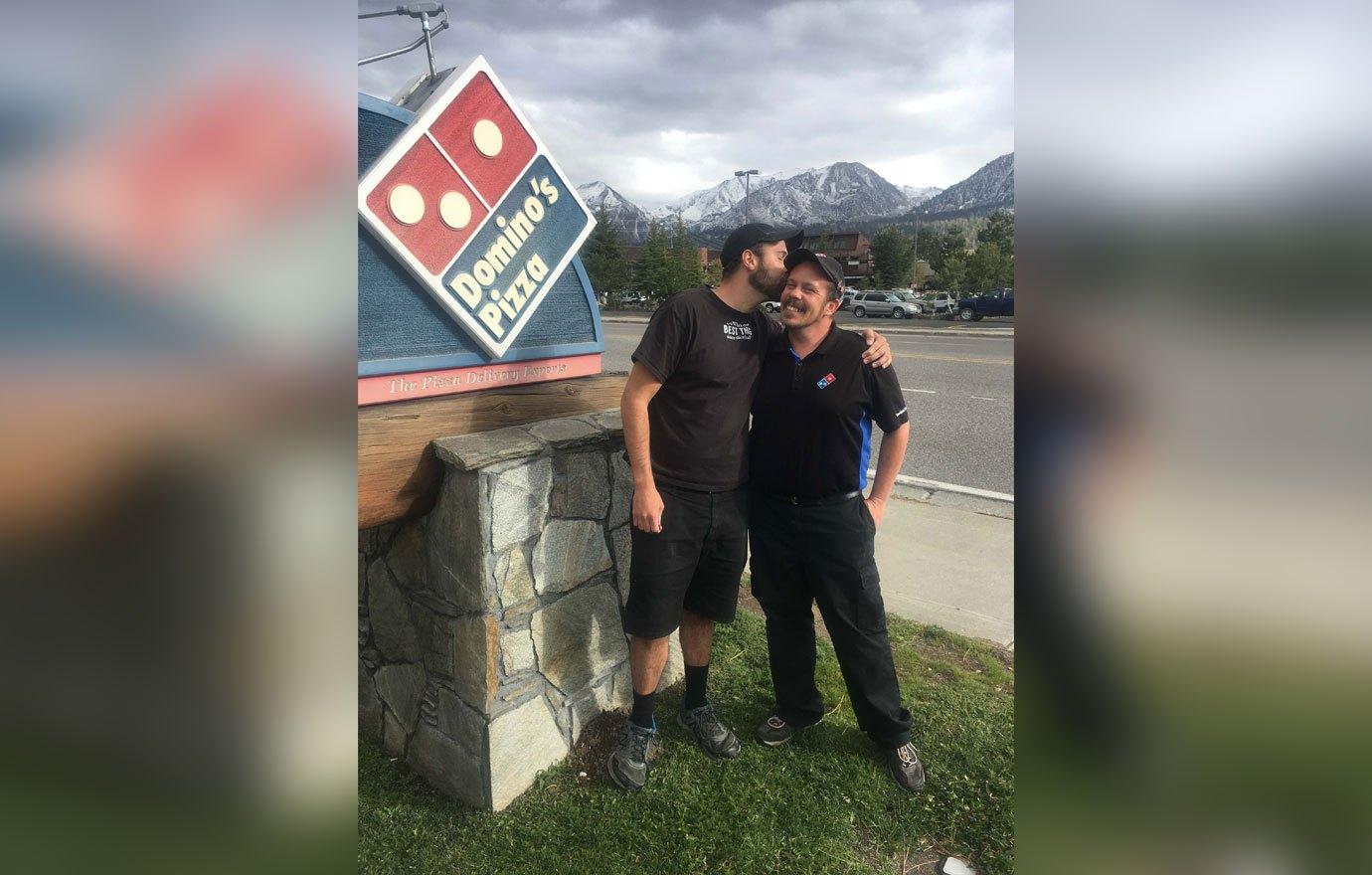 Thomas Dooley og eiginmaður hans Ronnie. Þeir reka Dominos pizzastað, og er myndin tekin nokkrum dögum fyrir handtökuna